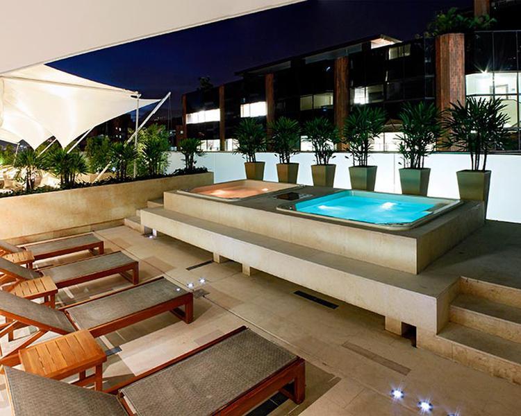 BAÑERA DE HIDROMASAJES Hotel ESTELAR Milla de Oro Medellín